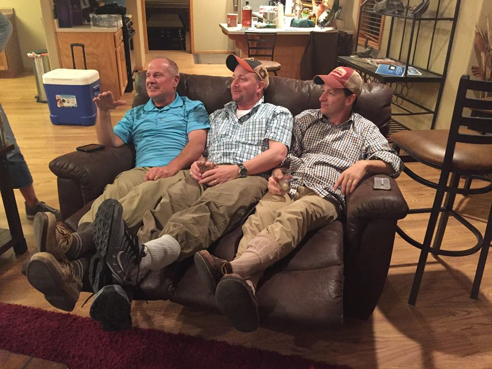 Granite Springs Lodge Hunters Relaxing