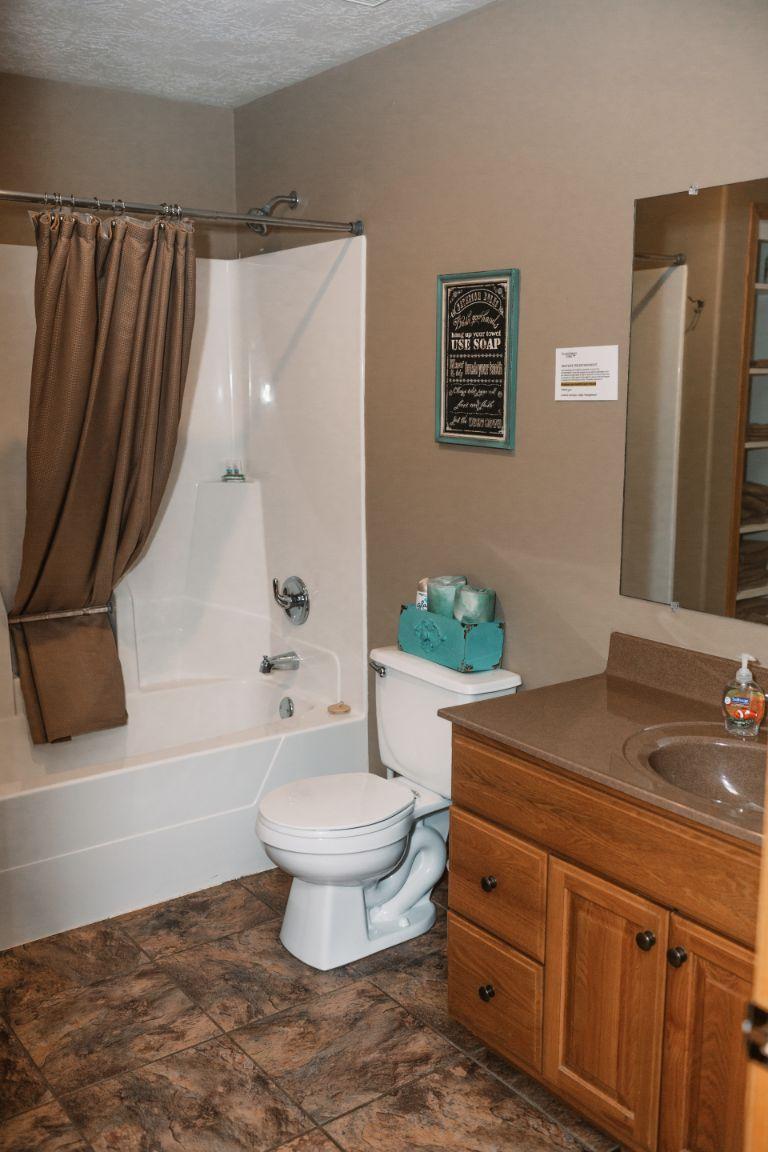 Main lodge bathroom (upper suite)
