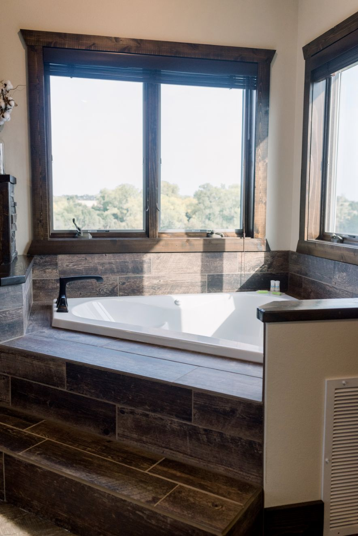 Villa Honeymoon Suite/ jacuzzi tub